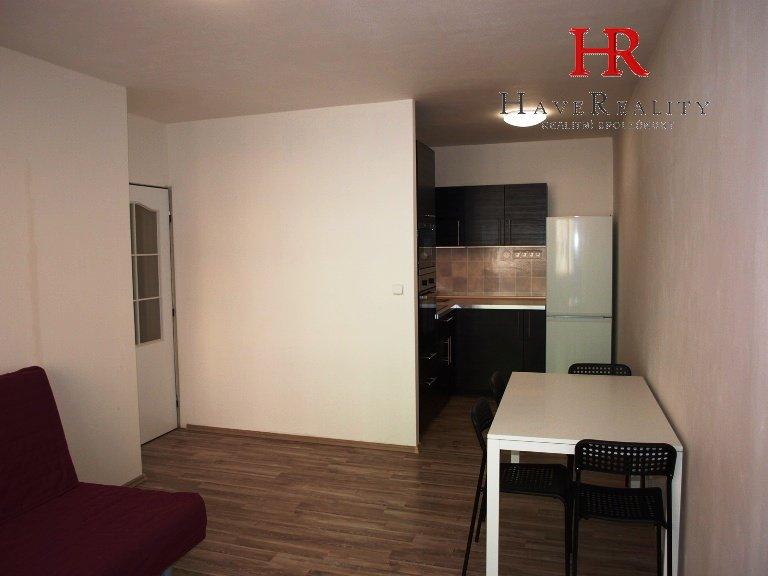 Pronájem bytu po celkové rekonstrukci, 2+kk, 46 m2, 1.NP,...