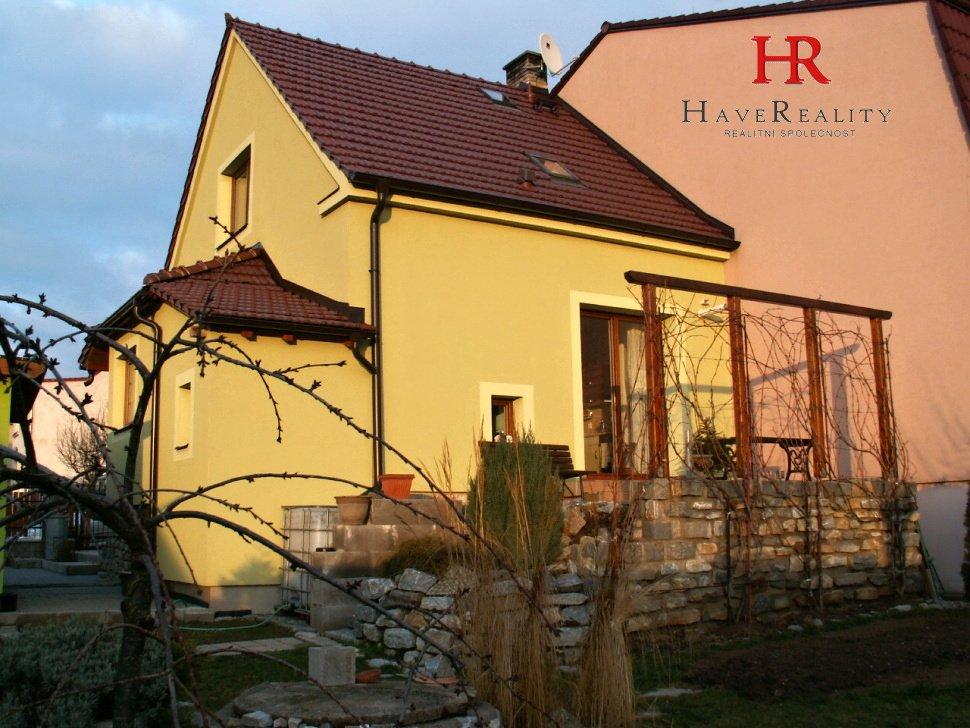 Nabízíme velmi pěkný RD 3+1/T, 130 m2, cihla, pozemek 413...