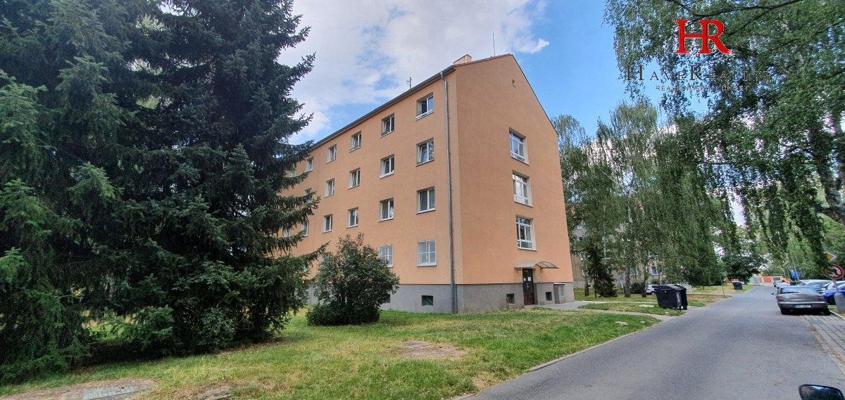 Prodej bytu 1+1, 32 m2, OV, 2. NP, Kladno, ulice